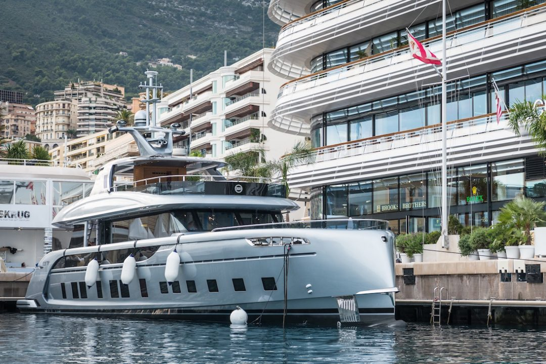 Dynamiq DTT 115 Hybrid Superyacht For The Modern Gentlemen